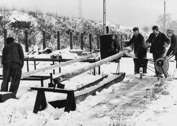 Zdjęcie archiwalne - ocieplanie rur wodociągowych